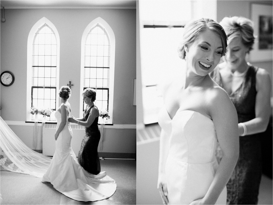 Park Church & City Flats Ballroom Wedding in Grand Rapids Michigan Photography by Tifani Lyn // Bride getting ready