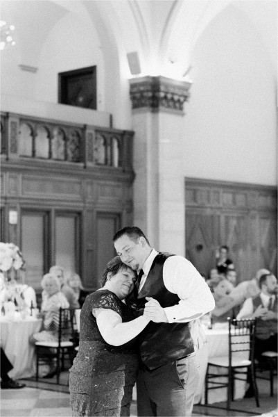 Grand_Rapids_City_Flats_Ballroom_Wedding_Photographer_Park_Church_Tifani_Lyn_Photography_0067