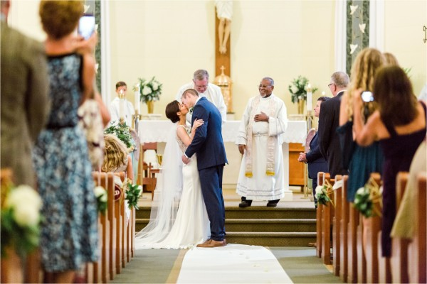 west_michigan_wedding_photographer_lifestyle_timelss_authentic_catholic_byron_center_wedding_Tifani_Lyn_Photography_Elise_Daniel_0006