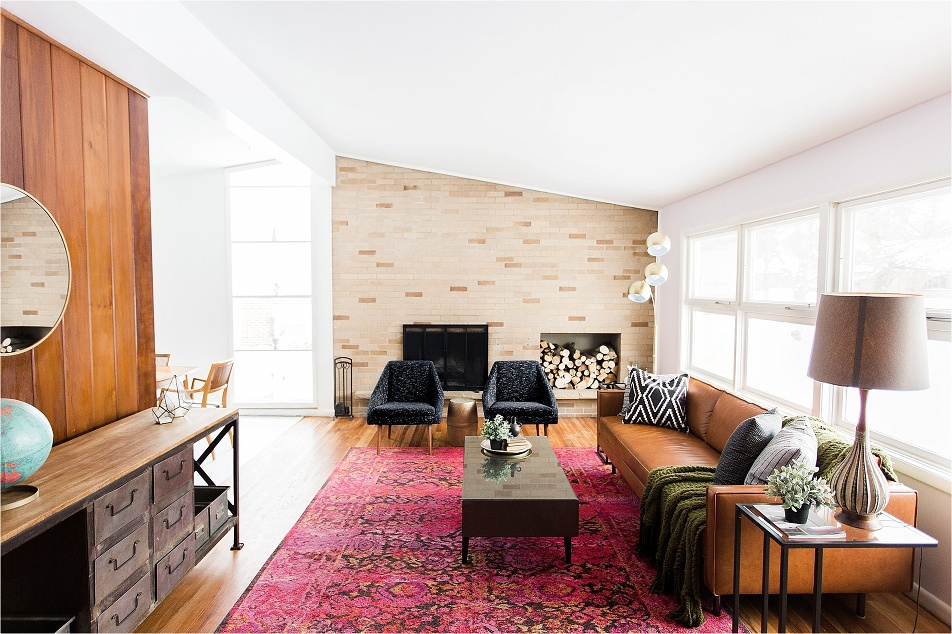 Home Tour_of_The_Hect_House_living_Room_ by_tifani_lyn_Mid_century_modern_home_renovation_0001