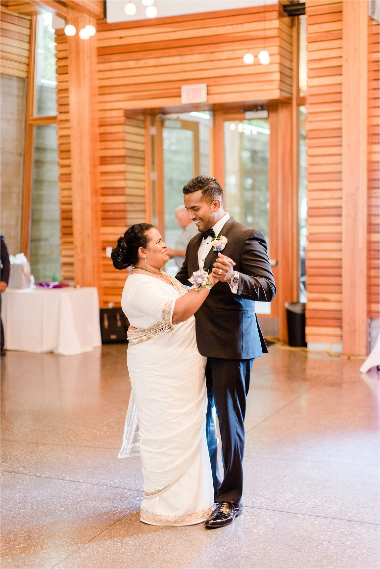 Wedding Photography Grand Rapids Michigan: Grand Rapids Wedding Photographer